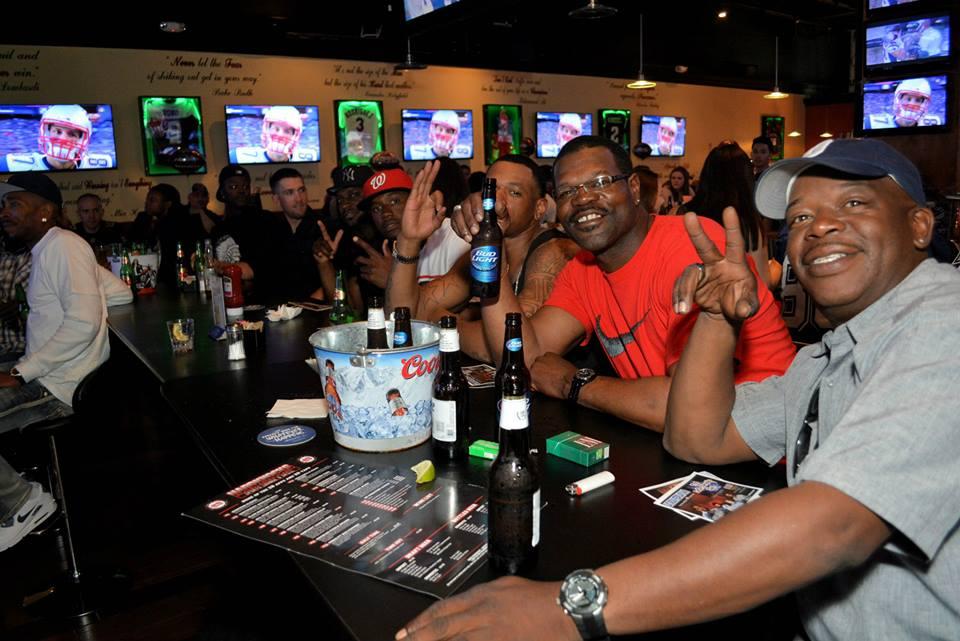 Hard Knocks Sports Bar.